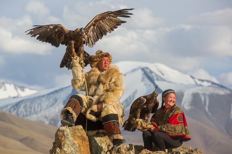 mongolian tour to golden eagle festival
