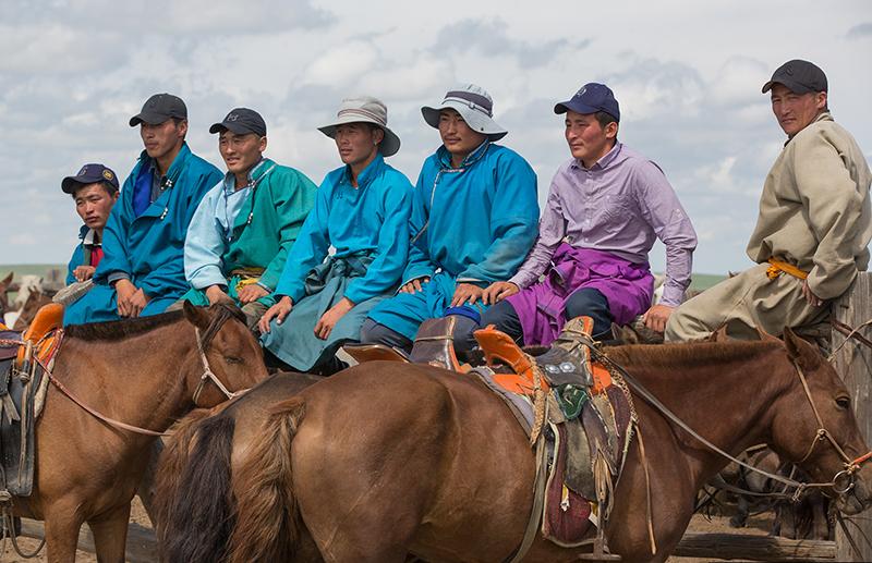 mongolia%20horsemen.jpg